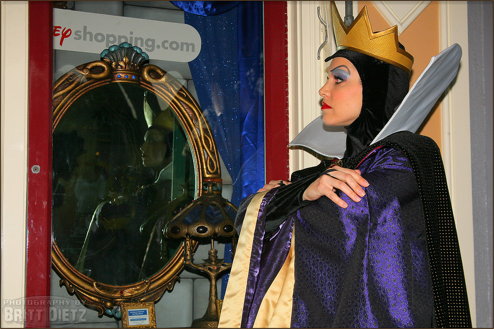 Photographing Disneyland The Evil Queen  Musings of an Aviation