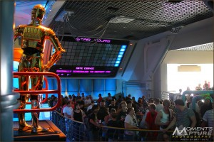 C-3PO and the queue crowds