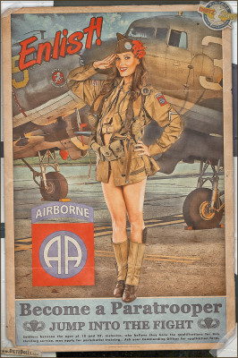 WW2 Military Pinups - Kelsey - Enlist in the 82nd Airborne